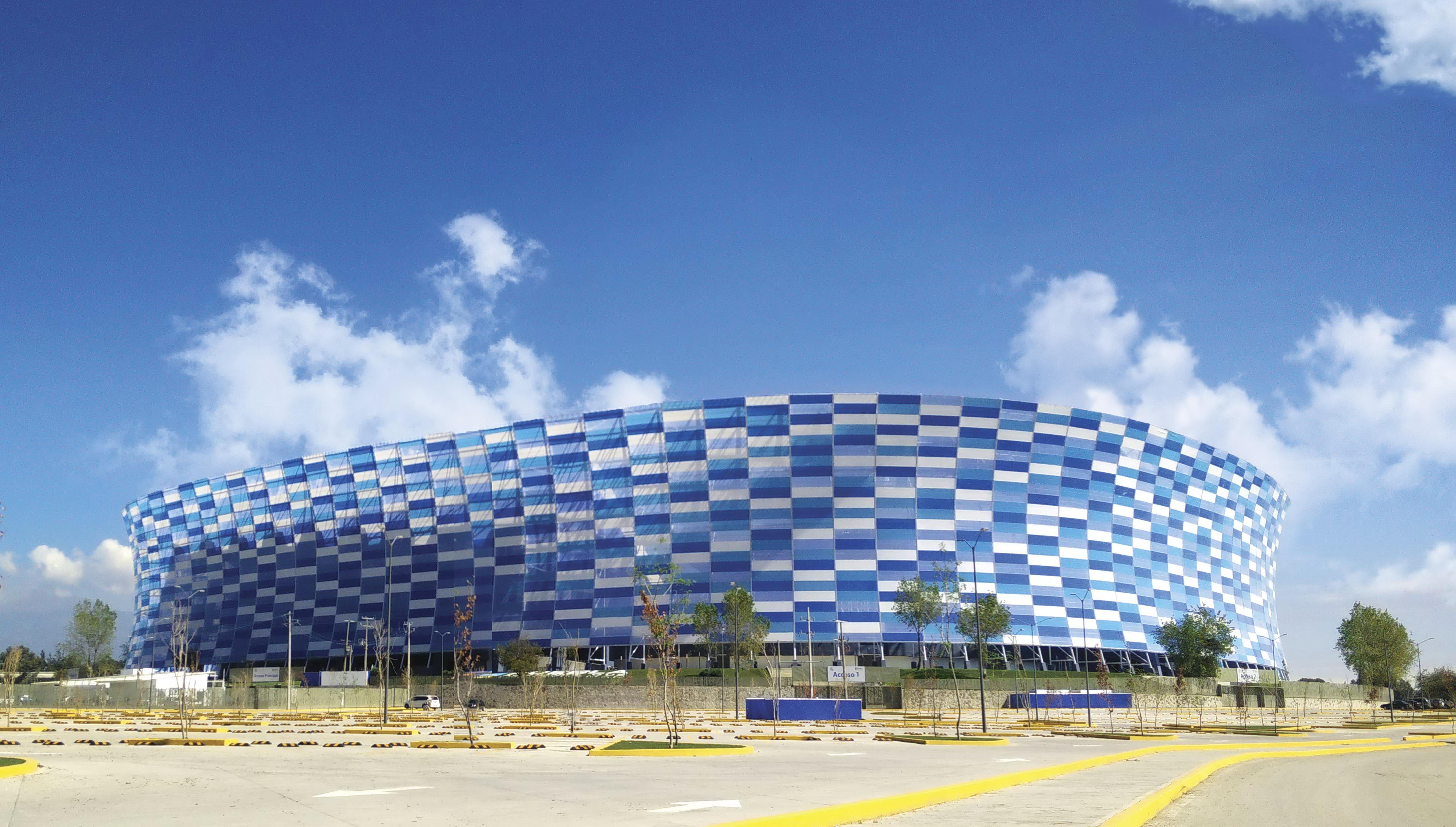 Мозаика из пленки ETFE на стадионе в Мексике