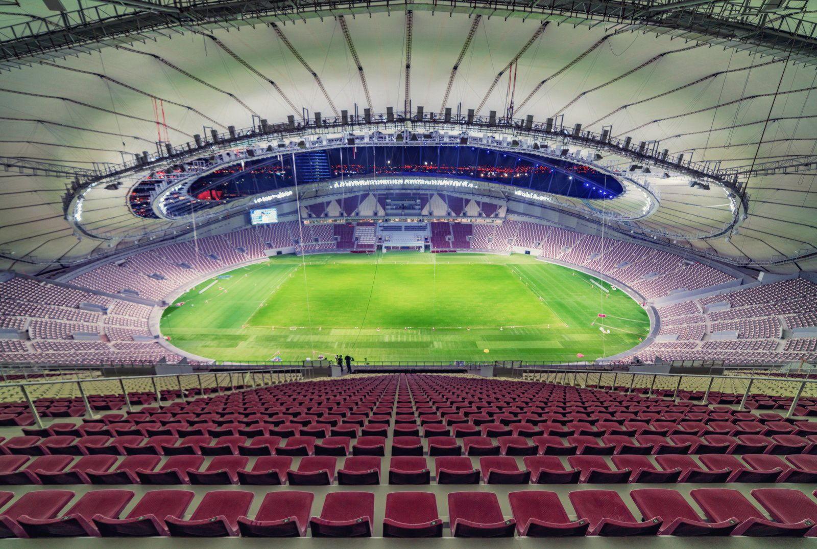 Стадион с фторопластовой крышей в Катаре