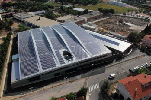 Крыша из ETFE с солнечными элементами