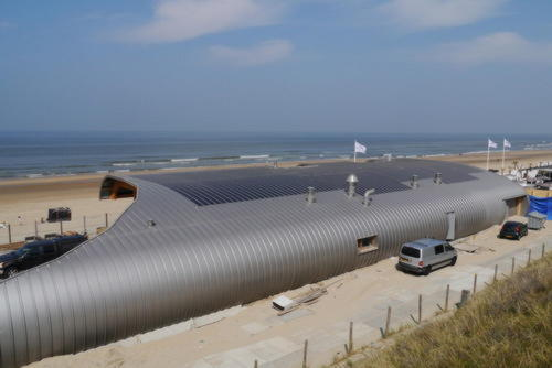 Крыша из ETFE с фотоэлектрическими преобразователями солнечной энергии